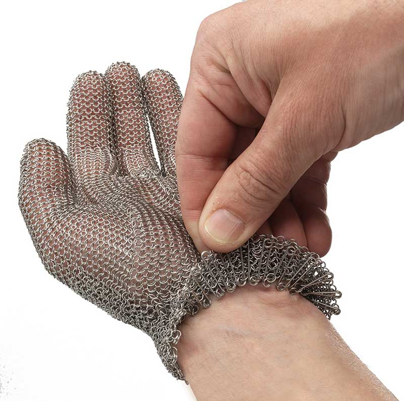 Le serrage au poignet par un ressort inox ultraplat assure un maintient parfait.